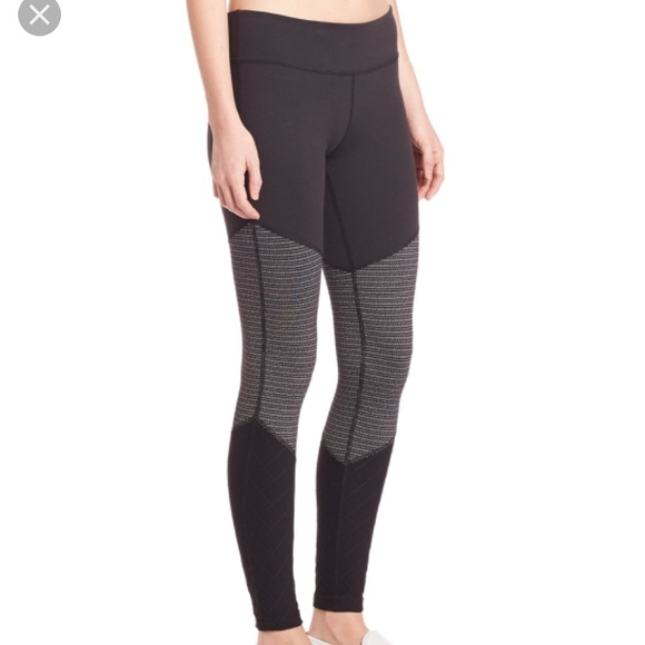 191ce4a63d0f7 Beyond Yoga Pants - Beyond Yoga Tri Panel leggings